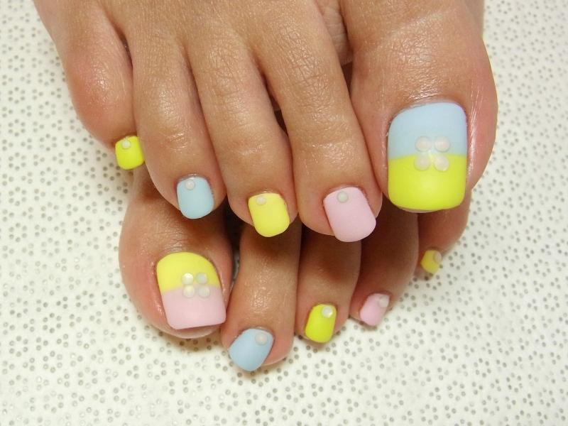 Дизайн (ногтей ног)